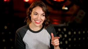 Comedian Beth Stelling shares story of abusive relationship on Instagram