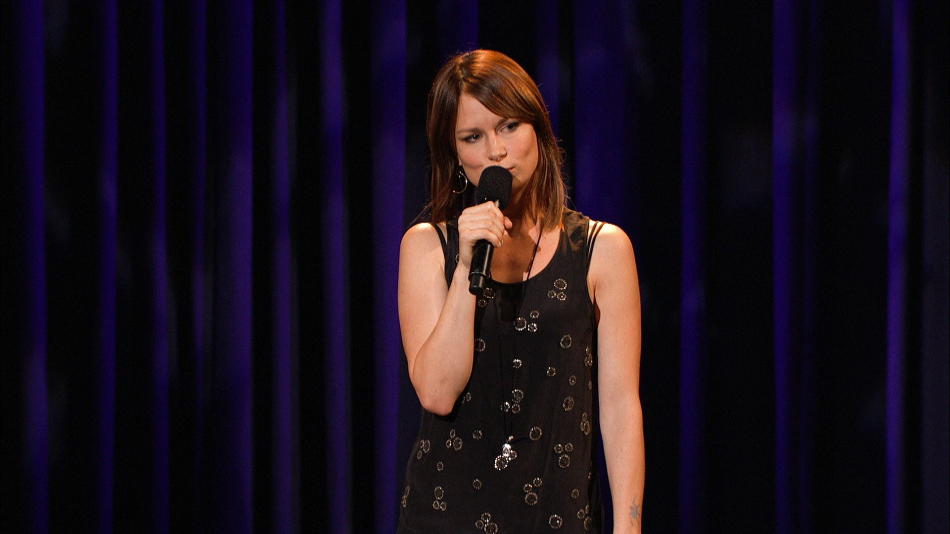 '24' actress Mary Lynn Rajskub is coming back to the comedy circuit
