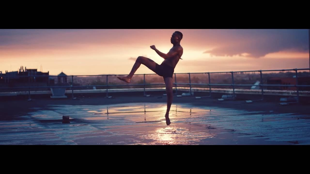 The bigger picture behind the dancer on the 'Dare to be Fearless' advert