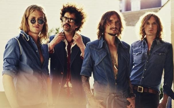 Review of Rock and Roll Deserves to Die, a single by The Darkness