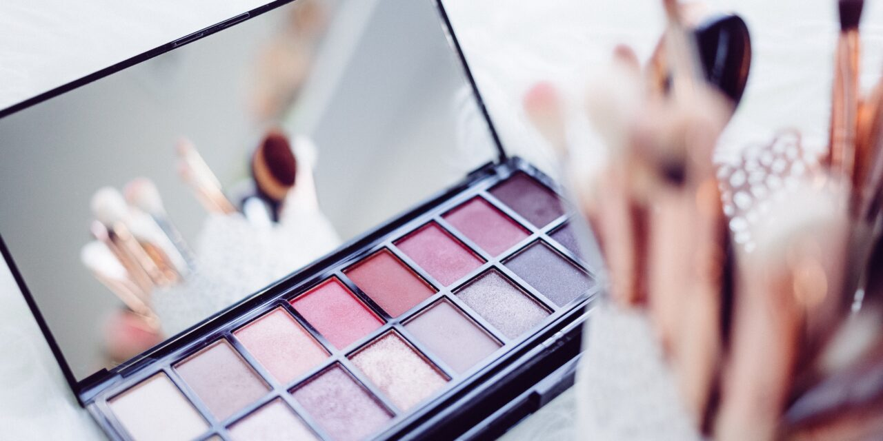 Top 4 Vibrant Eyeshadow Palettes That Beginners Should Try ASAP